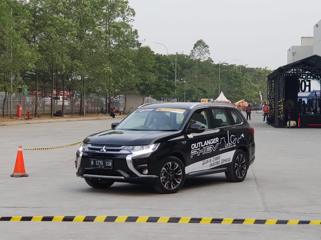 Test Drive Mobil Mitsubishi Motors di GIIAS 2018