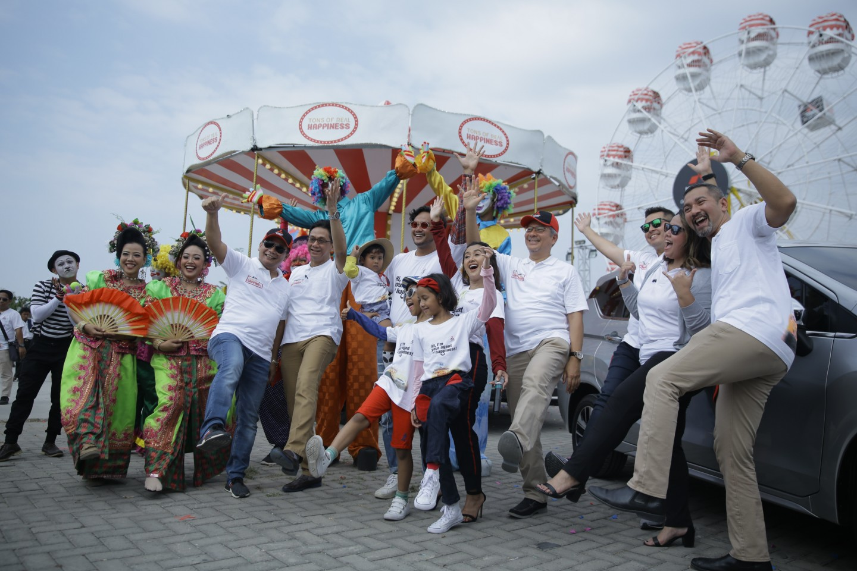 Mitsubishi XPANDER Lanjutkan Tebar Kebahagiaan di Kota Makassar