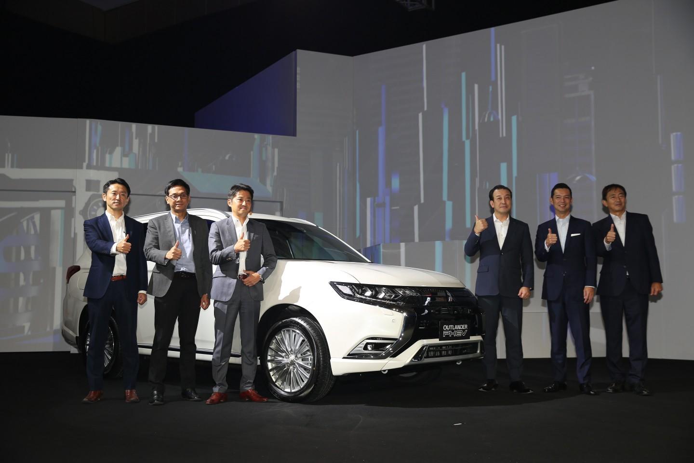 Mitsubishi Motors Hadirkan Teknologi Terdepan untuk Indonesia melalui New OUTLANDER PHEV dan ECLIPSE CROSS