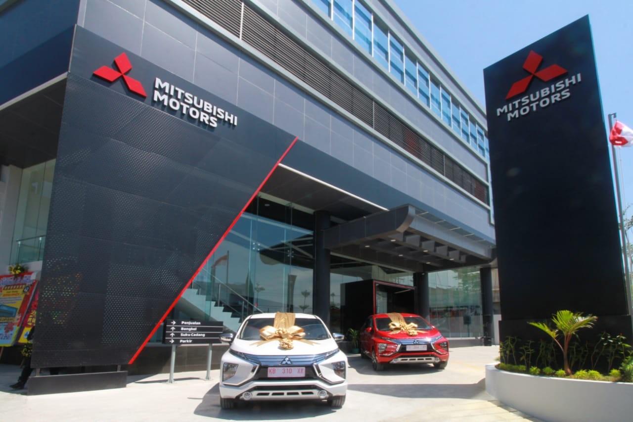 Resmikan Dealer Baru di Pontianak, Mitsubishi Motors Perkuat Jaringan Dealer di Wilayah Kalimantan