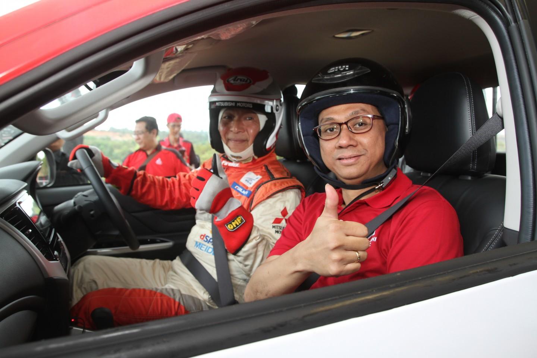 Mitsubishi New TRITON Jajal Medan Off Road di Balikpapan Bersama Pereli Hiroshi Masuoka