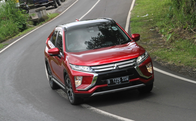 Mitsubishi Eclipse Cross Taklukkan Medan Berliku di Jawa Timur
