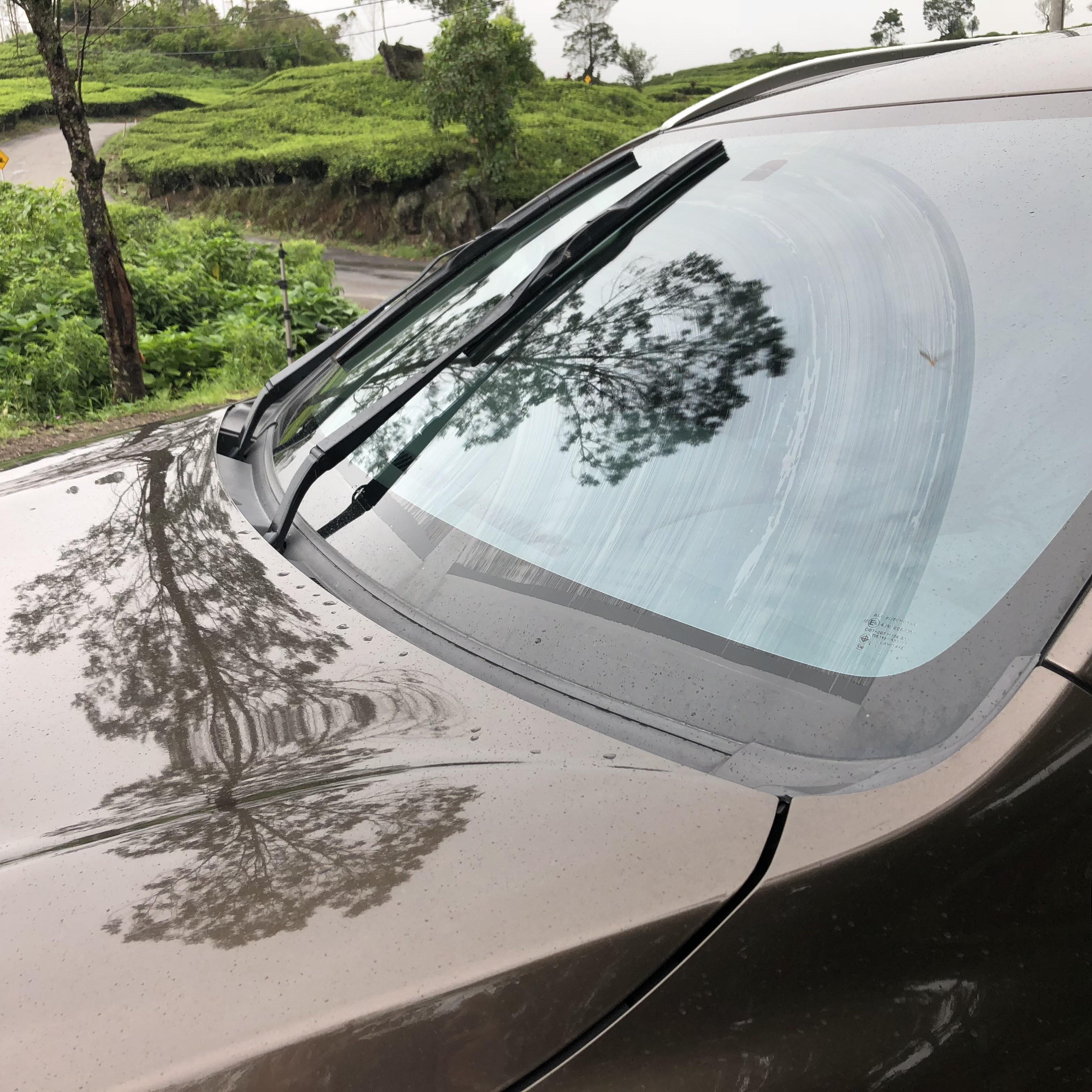 Perhatikan Wiper dan Washer Sebelum Musim Hujan Datang