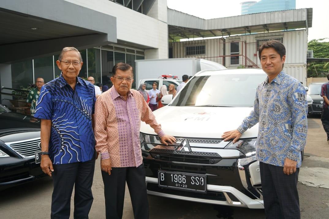 Kolaborasi Mitsubishi Motors Dengan Palang Merah Indonesia Dalam Penggunaan Outlander PHEV Sebagai Unit Tanggap Darurat