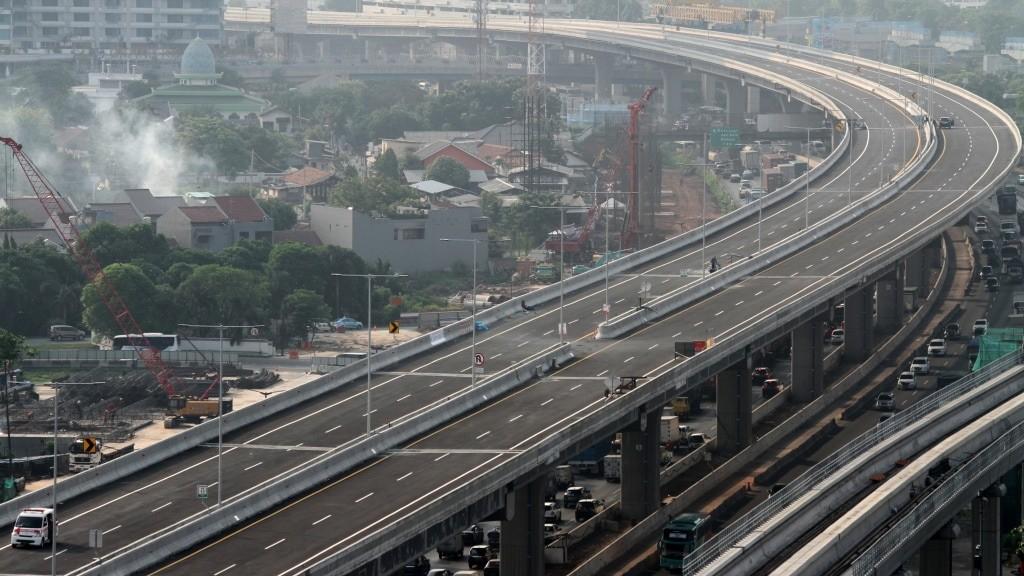 Persiapkan Hal Ini Sebelum Melintas Jalan Tol Layang Jakarta-Cikampek