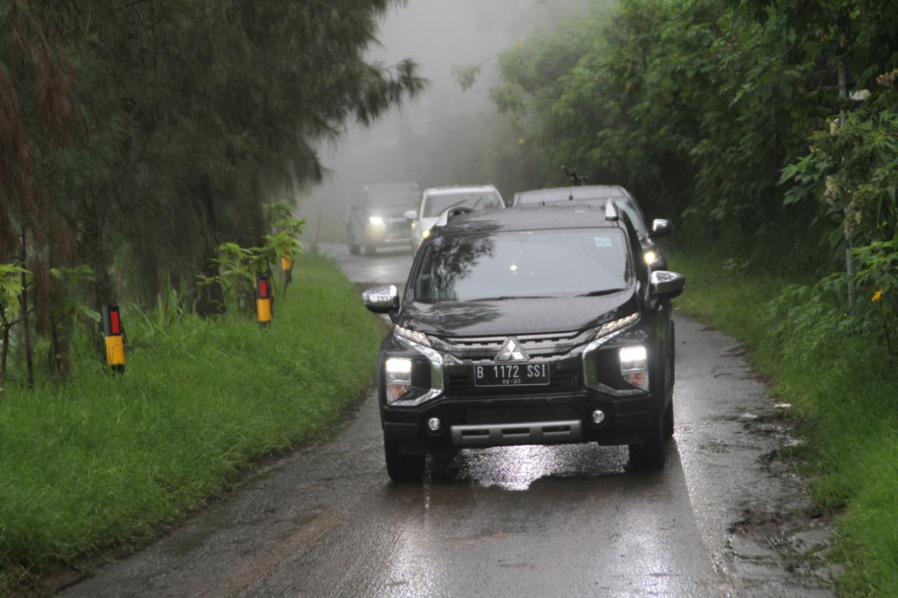 Kenali Batas Kecepatan Ketika Berkendara Saat Hujan dan Jalanan Licin