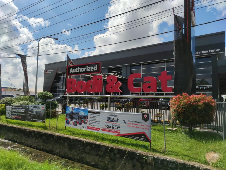 MMKSI Resmikan Fasilitas Resmi Perbaikan dan Pengecatan Kendaraan Mitsubishi Ke-3 di Kalimantan