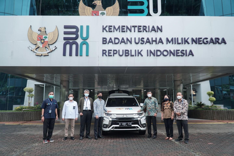 MMKSI Donasikan Mitsubishi Outlander PHEV untuk Mendukung Program Vaksinasi Covid-19 Pemerintah Indonesia